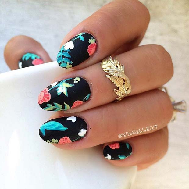 Black-Nails-with-Flower-Art